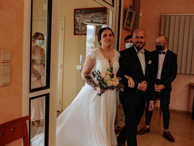 Le mariage de Joshua et Laura à Mirepoix, Ariège 7
