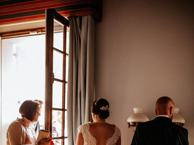 Le mariage de Joshua et Laura à Mirepoix, Ariège 37
