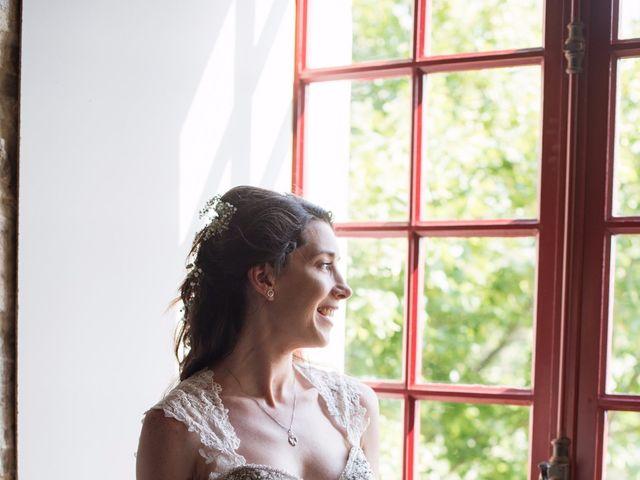Le mariage de Nicolas et Sonya à Vénéjan, Gard 13