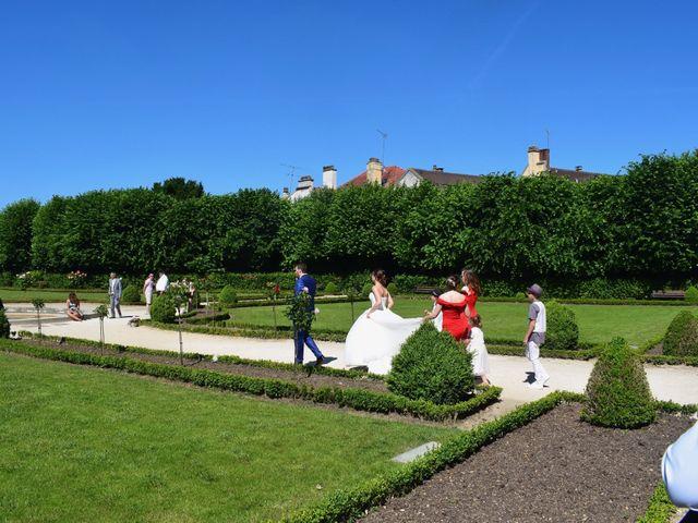 Le mariage de Adrien et Marine  à Meaux, Seine-et-Marne 1