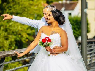 Le mariage de Elodie  et Jason