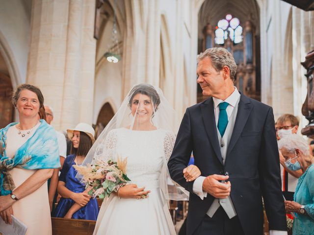Le mariage de Adrien et Marina à Saint-Étienne-des-Oullières, Rhône 17