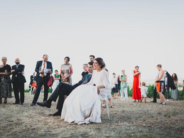 Le mariage de Adrien et Marina à Saint-Étienne-des-Oullières, Rhône 28