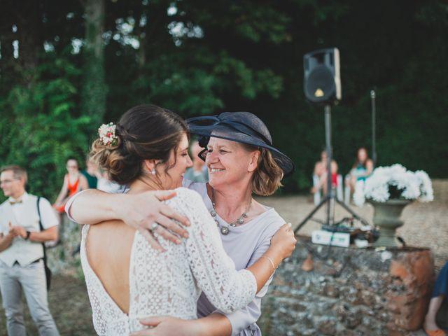 Le mariage de Adrien et Marina à Saint-Étienne-des-Oullières, Rhône 29