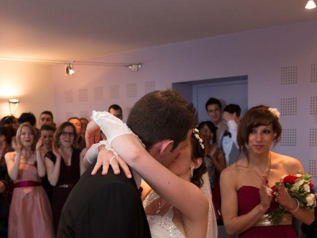 Le mariage de Raphaël et Mélanie à Chiroubles, Rhône 14