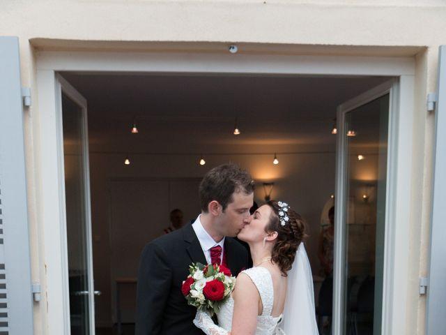 Le mariage de Raphaël et Mélanie à Chiroubles, Rhône 16
