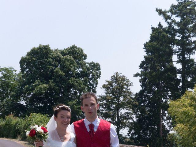 Le mariage de Raphaël et Mélanie à Chiroubles, Rhône 5