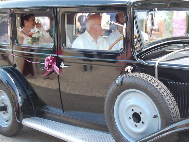 Le mariage de Raphaël et Mélanie à Chiroubles, Rhône 9