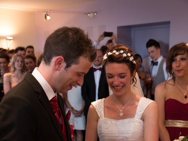 Le mariage de Raphaël et Mélanie à Chiroubles, Rhône 13