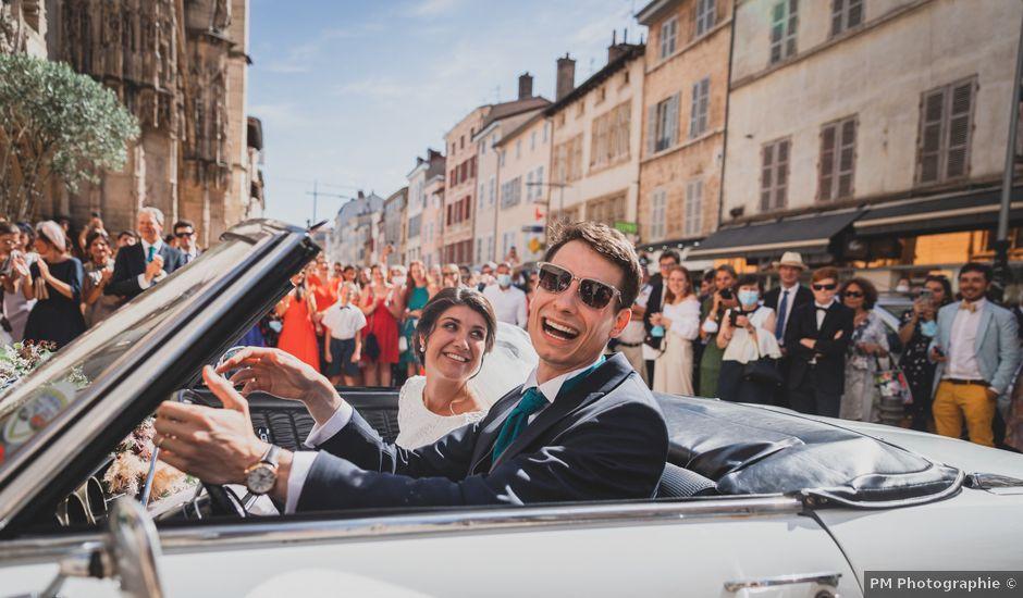 Le mariage de Adrien et Marina à Saint-Étienne-des-Oullières, Rhône