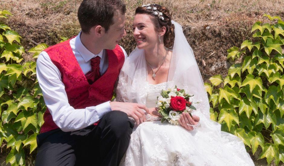 Le mariage de Raphaël et Mélanie à Chiroubles, Rhône