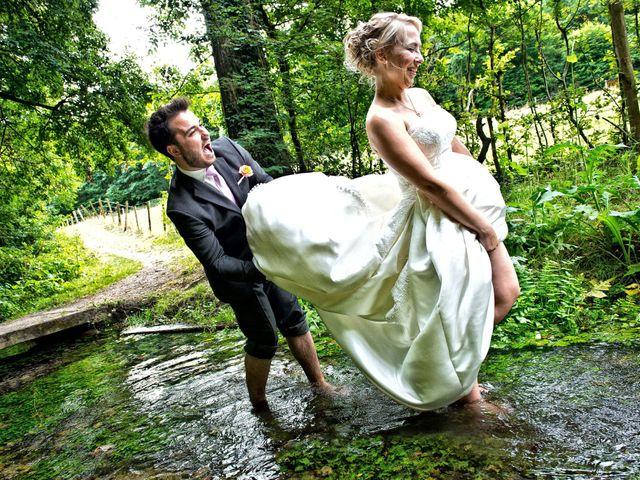Le mariage de Romain et Peroline à Lyons-la-Forêt, Eure 14