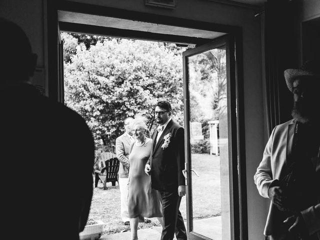 Le mariage de Joffrey et Silvia à Bannegon, Cher 17