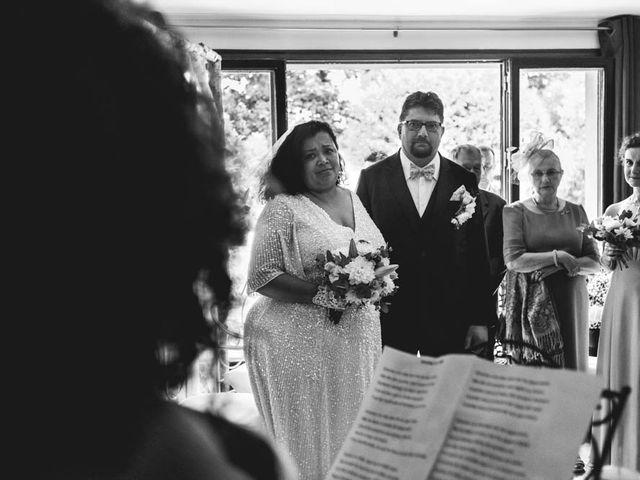 Le mariage de Joffrey et Silvia à Bannegon, Cher 20