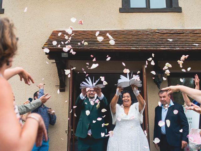 Le mariage de Joffrey et Silvia à Bannegon, Cher 34