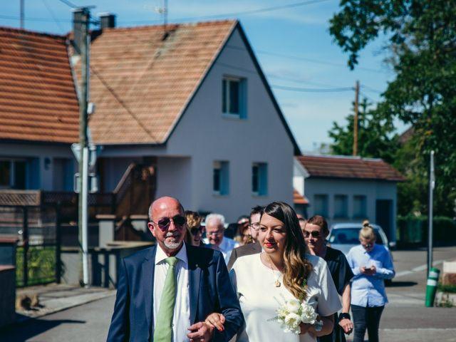 Le mariage de Sarah et Max à Schweighouse-sur-Moder, Bas Rhin 3