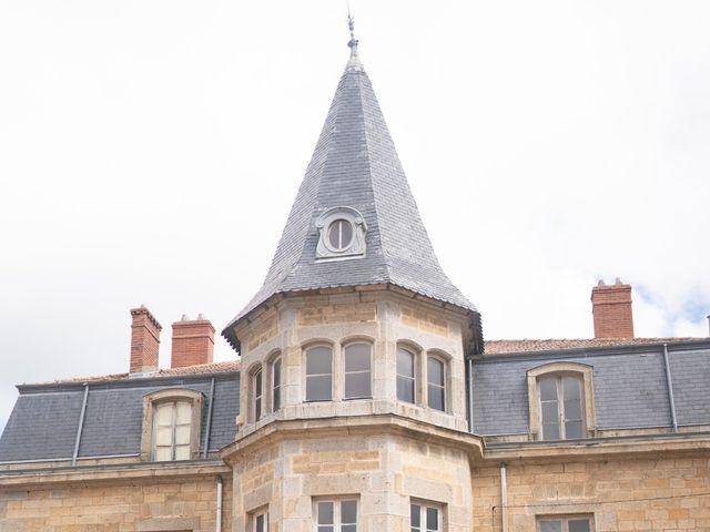 Le mariage de Anthony et Annabelle à Marols, Loire 3