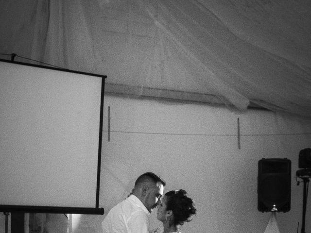 Le mariage de Gregory et Lucie à Neuvic, Dordogne 3