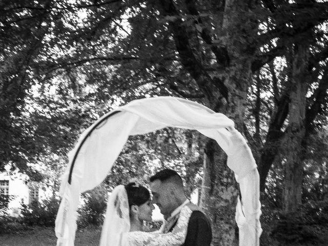 Le mariage de Gregory et Lucie à Neuvic, Dordogne 34
