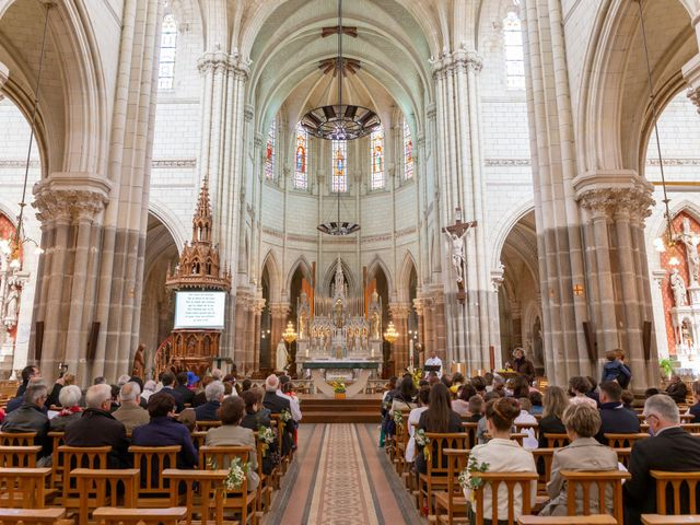 Le mariage de Christophe et Elise à Tiffauges, Vendée 28