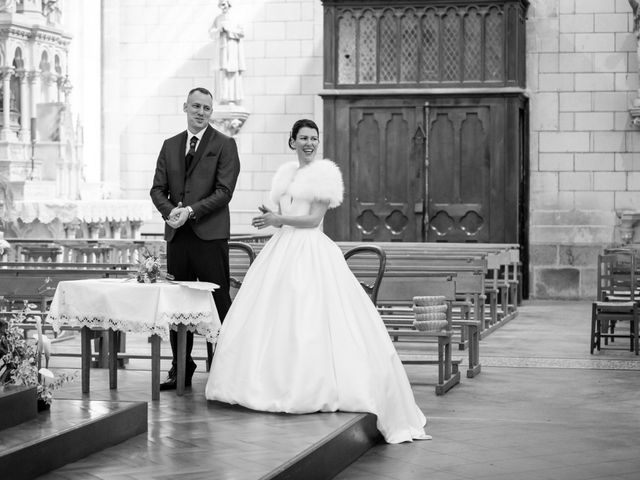Le mariage de Christophe et Elise à Tiffauges, Vendée 33