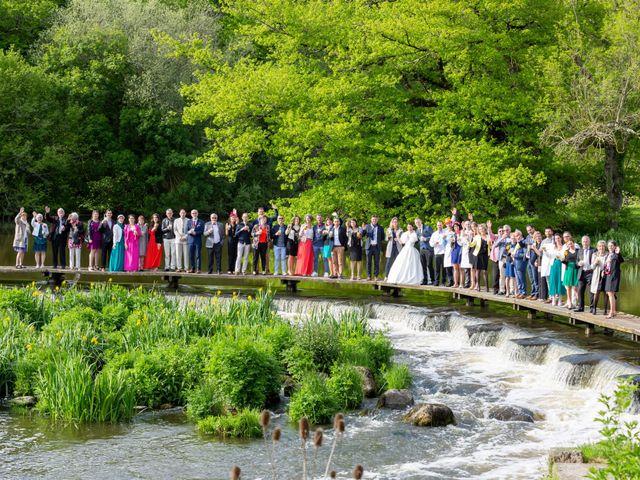 Le mariage de Christophe et Elise à Tiffauges, Vendée 38