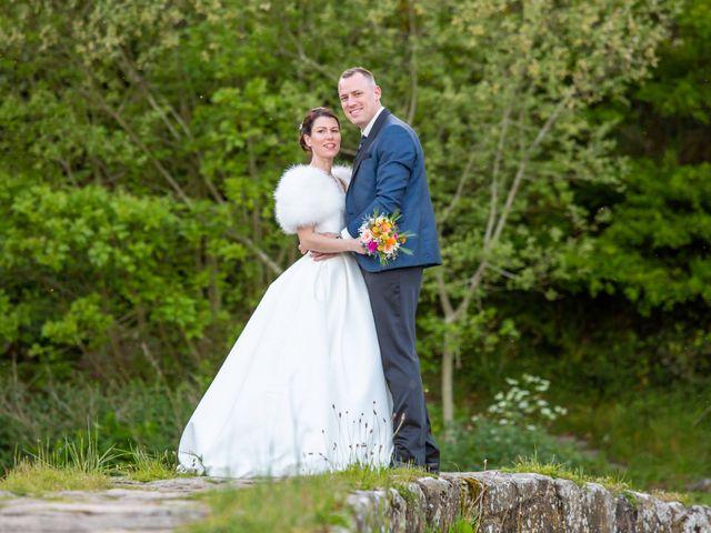 Le mariage de Christophe et Elise à Tiffauges, Vendée 60
