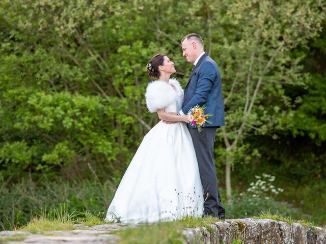 Le mariage de Christophe et Elise à Tiffauges, Vendée 61