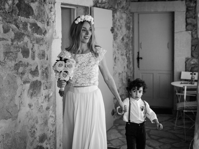 Le mariage de Clément et Marie à Goudargues, Gard 16