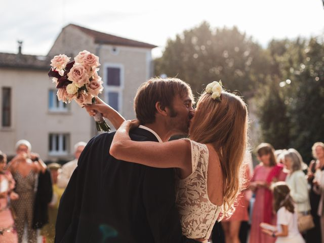 Le mariage de Clément et Marie à Goudargues, Gard 1