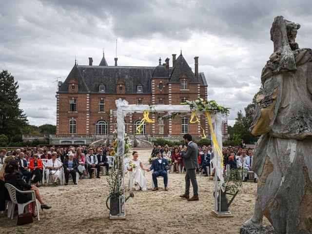 Le mariage de Arthur et Hélène à Nouan-le-Fuzelier, Loir-et-Cher 12