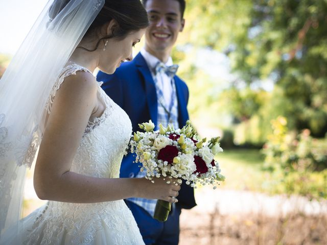 Le mariage de Simon et Marine à Lusignan, Vienne 2