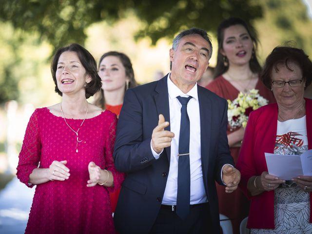Le mariage de Simon et Marine à Lusignan, Vienne 14