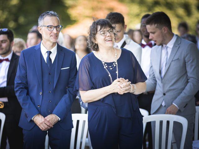 Le mariage de Simon et Marine à Lusignan, Vienne 15