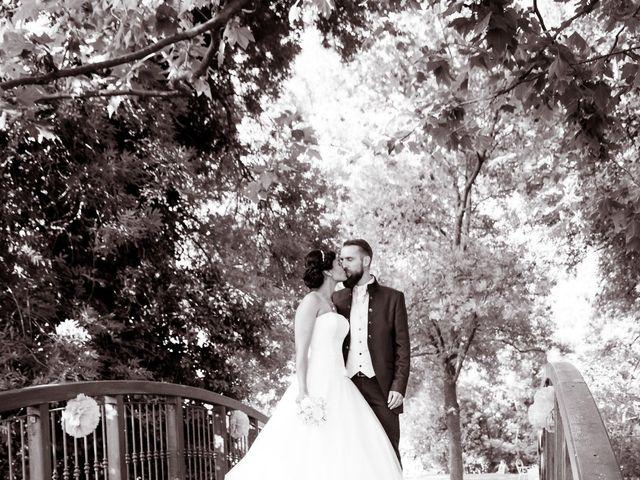 Le mariage de Robin et Mélanie à Saint-Christol, Hérault 15