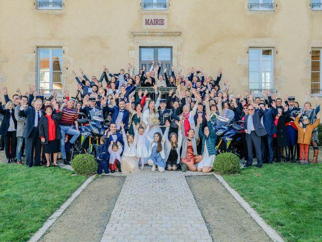 Le mariage de Nicolas et Ambre à Les Essarts, Vendée 93