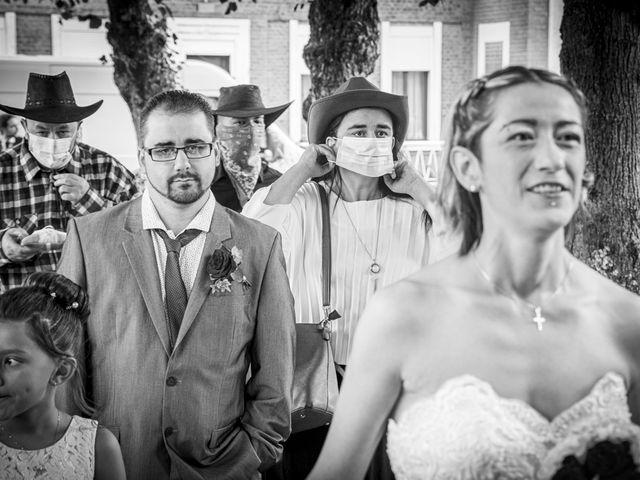 Le mariage de Séverine et Céline à Cagnoncles, Nord 6