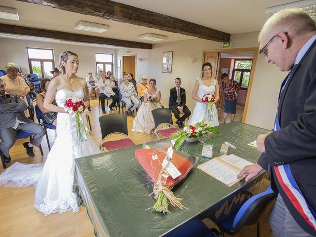 Le mariage de Séverine et Céline à Cagnoncles, Nord 10