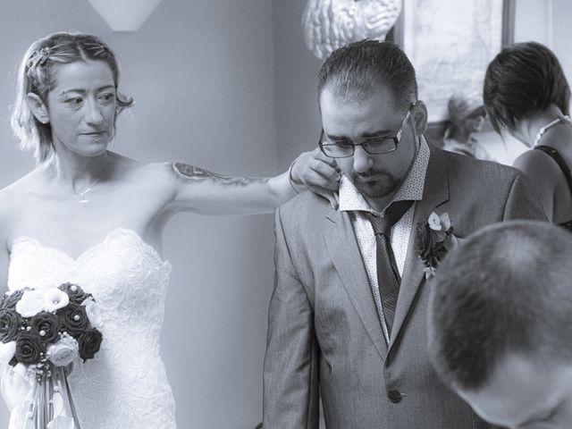 Le mariage de Séverine et Céline à Cagnoncles, Nord 19