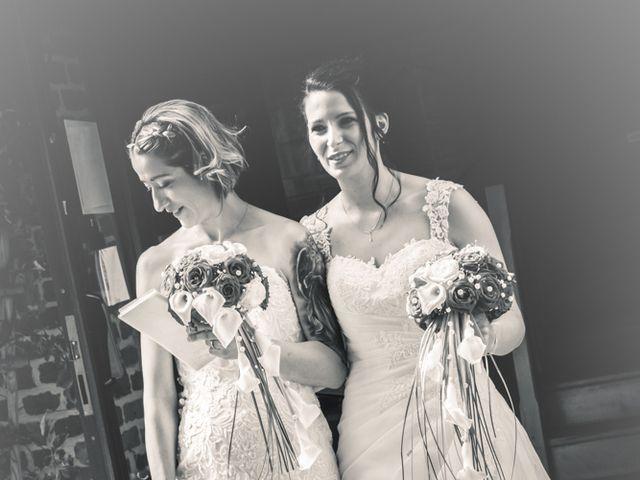 Le mariage de Séverine et Céline à Cagnoncles, Nord 21