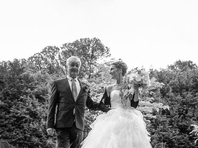 Le mariage de Sylvain et Amandine à Saint-Abraham, Morbihan 15