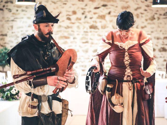 Le mariage de Alexandre et Alexandra à Guyancourt, Yvelines 62