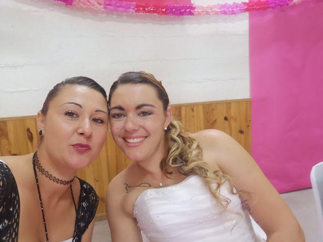 Le mariage de Rémi et Vanessa à Aramon, Gard 2