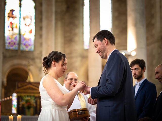 Le mariage de Aurélien et Justine à Yzernay, Maine et Loire 12