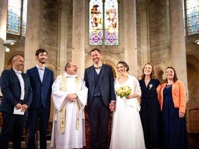 Le mariage de Aurélien et Justine à Yzernay, Maine et Loire 13
