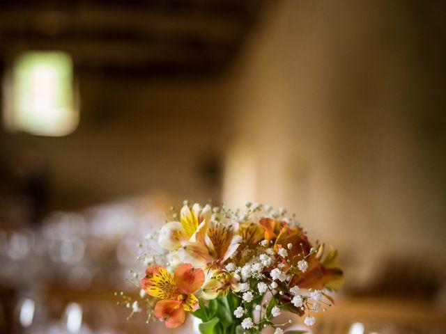 Le mariage de Aurélien et Justine à Yzernay, Maine et Loire 17