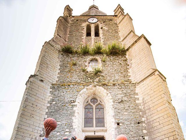 Le mariage de Aurélien et Justine à Yzernay, Maine et Loire 19