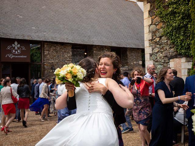 Le mariage de Aurélien et Justine à Yzernay, Maine et Loire 24