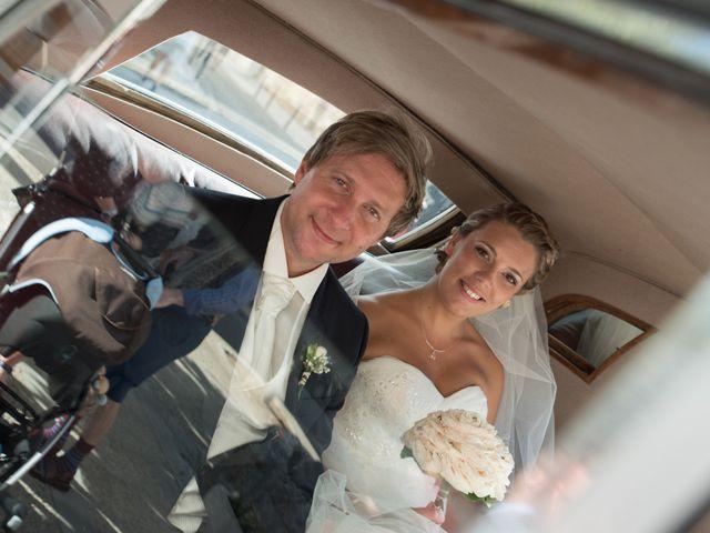 Le mariage de David et Coralie à La Rochefoucauld, Charente 12