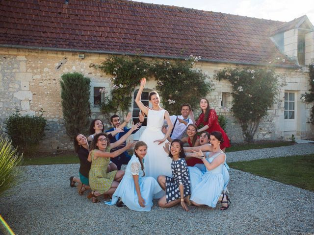 Le mariage de Alexandre et Isabelle à Tours, Indre-et-Loire 53